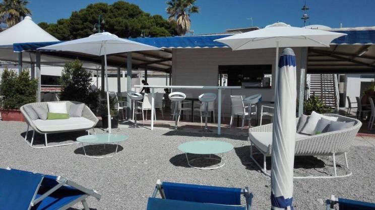 Caramella-Beach-CLub-ProLocoPerGioisaMarina-Stabilimento-Balneare (1)
