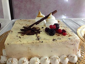 Torta gelato Bar Hestrò a Marina di Gioiosa Ionica 2