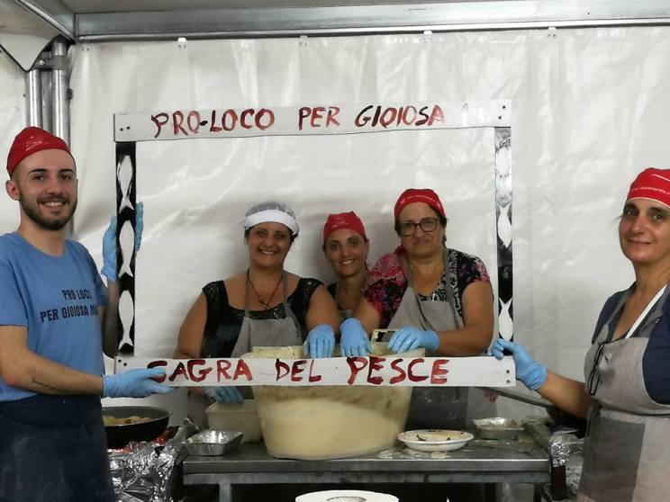 sagra-del-pesce-pro-loco-per-gioiosa-marina-6